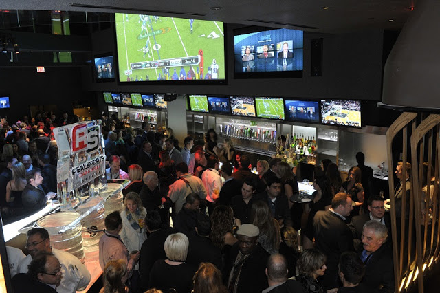 Real Sports Bar and Grill em Ottawa