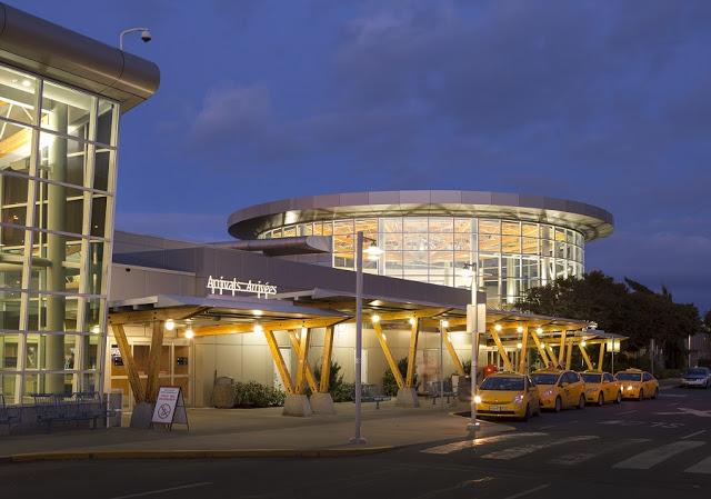 Aeroporto Internacional de Victoria (YYJ)