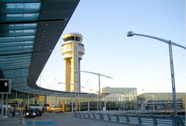 Aeroporto Internacional Pierre Elliott Trudeau em Montreal