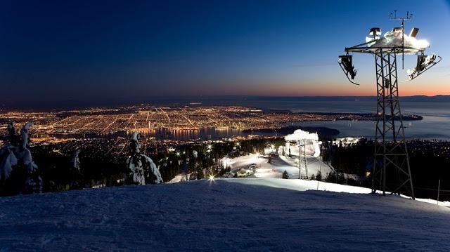 Anoitecer na Grouse Mountain em Vancouver