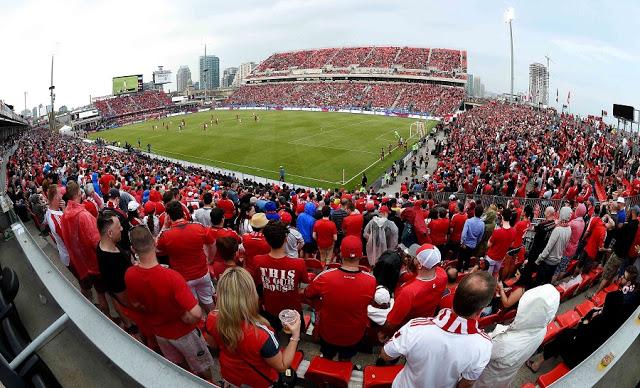 Assistir a um jogo de futebol no Canadá - Toronto FC