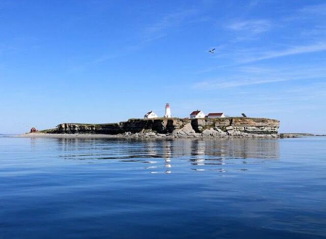 Parque e Reserva Nacional Arquipélago Mingan no Canadá