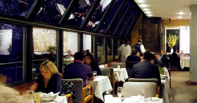 Restaurante Scaramouche em Toronto